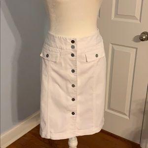 Jones New York White denim skirt